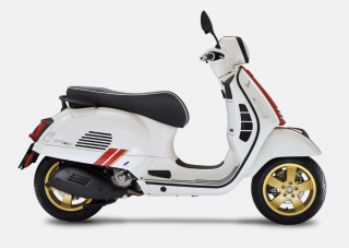 Vespa GTS Super RACING SIXTIES 300 E4